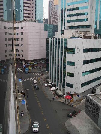 Zhong Tai Lai Hotel: the street