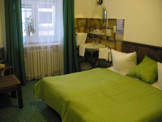Hotel Diana - Single/Double, Shared Toilet/Shower