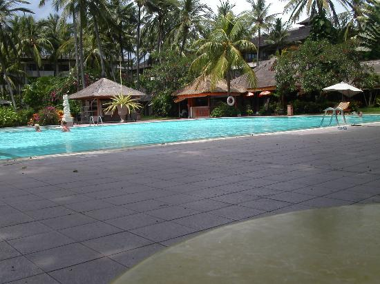 Prama Sanur Beach Bali: am kleinen Pool