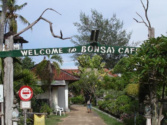 Prama Sanur Beach Bali: Bonsai Park mit Restaurant