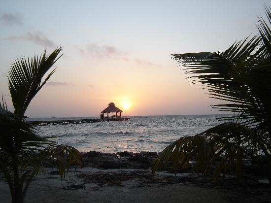 Xanadu Island Resort: Sunrise at 6:15 am