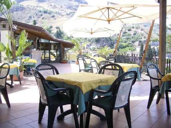 Hotel Baia delle Sirene : The roof terrace/bar