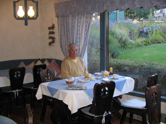 Hosteria Del Viejo Molino : Breakfast room
