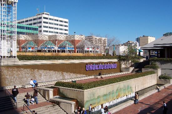 Underground Atlanta: Fountain and courtyard.