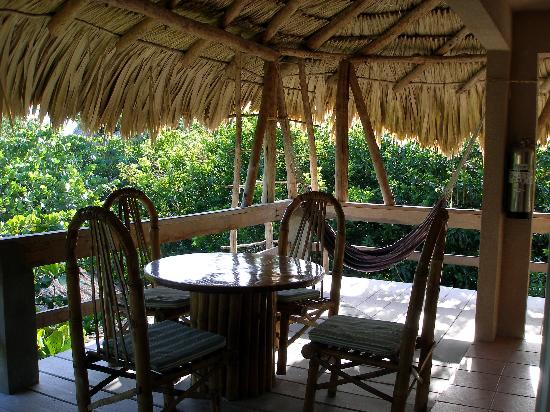 Xanadu Island Resort: The other end of our deck
