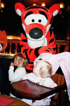 Disneyland Hotel : Lucky Saloon