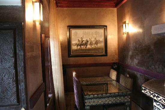 Riad El Mansour: Ground floor sitting room