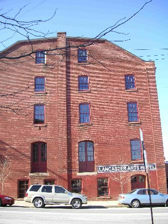 Lancaster Arts Hotel : Exterior of Hotel