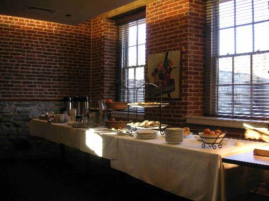 Lancaster Arts Hotel: Breakfast buffett