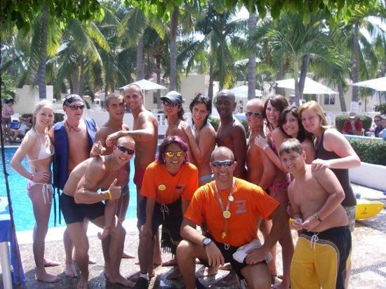 Gran Festivall All Inclusive Resort: a few staff members and a few guests