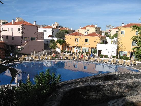 GF Isabel: Pool View 1