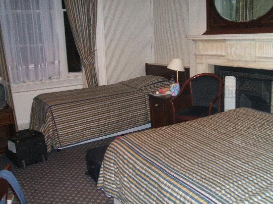 Regency House Hotel: bedroom