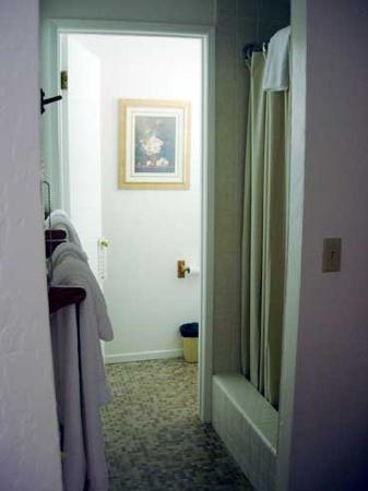 Los Laureles Lodge: Surrey Room_Bath