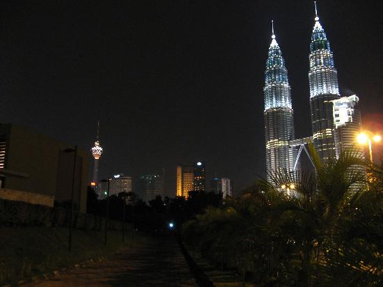 Shangri-La Hotel Kuala Lumpur : night view