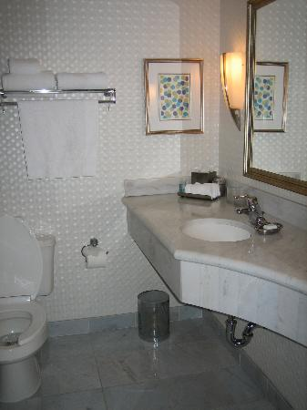 Manhattan Beach, CA: Belamar bathroom