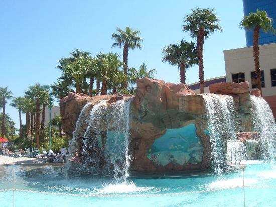 Pool picture of rio all suite hotel casino las vegas for Nspi pool show vegas