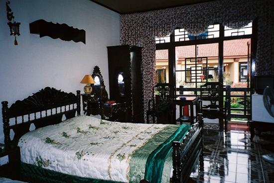 Thanh Binh II Hotel: Our chinese style bedroom