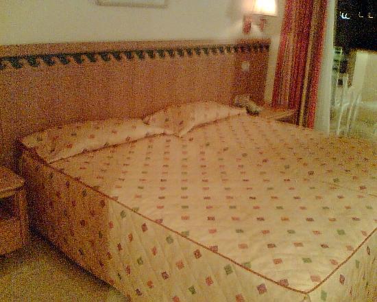 Nahrawess Hotel : Bedroom