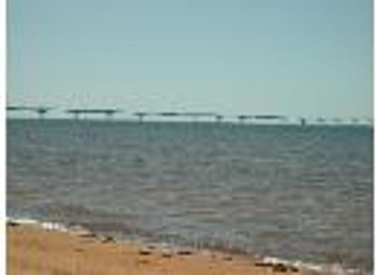 Albany, Canadá: confederation bridge view from our beach