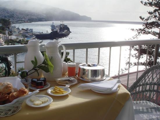 Belmond Reid's Palace: Breakfast at the balcony