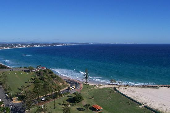 Coolangatta, Avustralya: Our view from the balcony
