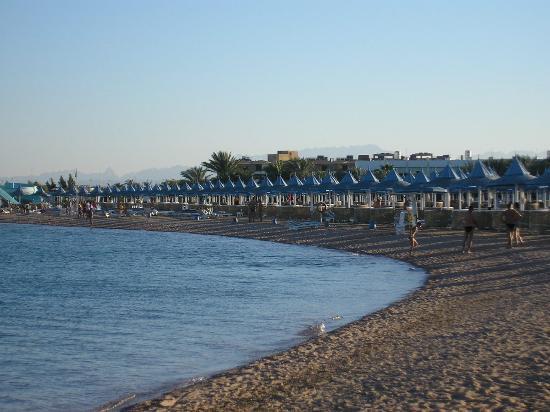 The Grand Hotel Hurghada : Plage de l'hôtel