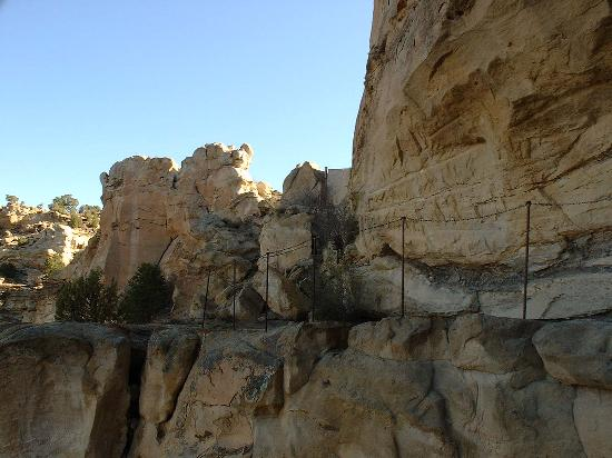 Farmington, NM: Cliff side