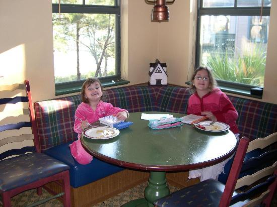Disney's Hilton Head Island Resort: Dinning area