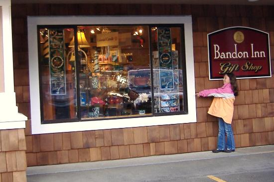 Bandon Inn: gift shop