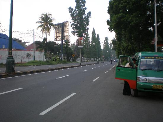 Royal Dago Hotel: Jalan Dago