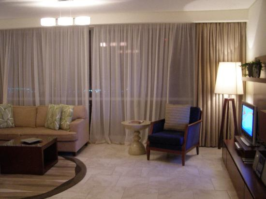 JA Oasis Beach Tower: Living room with the LCD LG tv