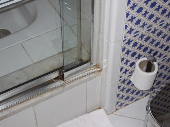 Domina Coral Bay Sultan: shower room in our (5 star king suite) Nice.