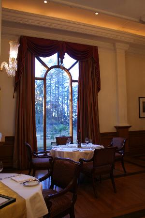 Wildflower Hall, Shimla in the Himalayas: The Restaurant