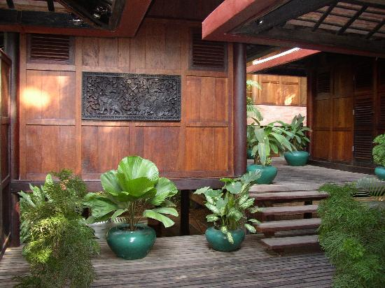 Angkor Village Hotel: the complex showing bungalows
