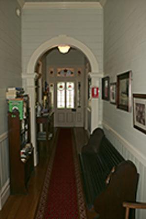Maleny Lodge: Hallway