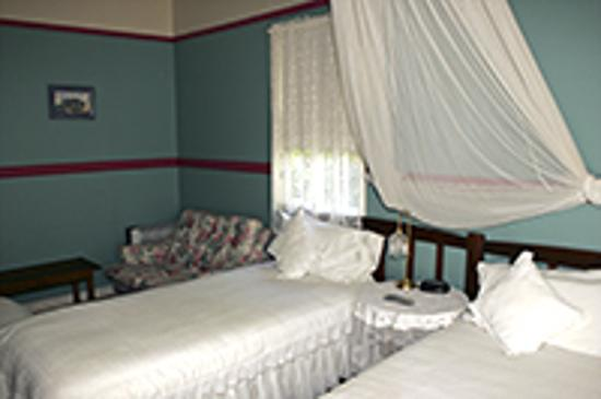 Maleny Lodge: A bedroom
