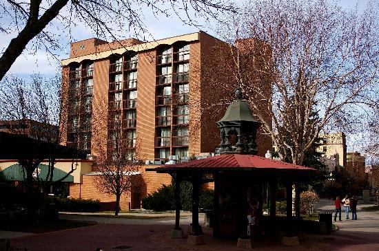 Holiday Inn Helena: Exterior