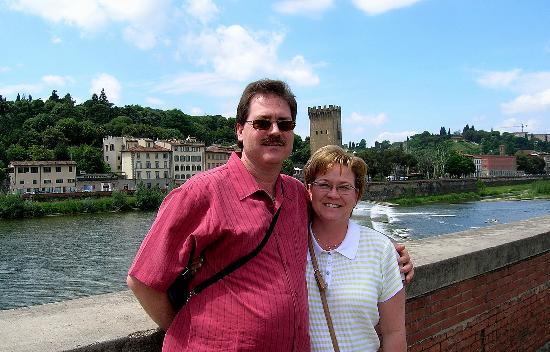 Hotel Il Bargellino: The Ridenour's at Arno River