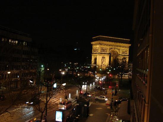 Window View - Radisson Blu Hotel Champs Elysees, Paris Photo