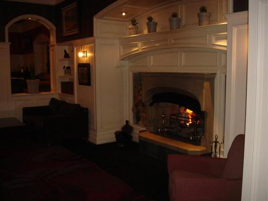 The Killarney Park Hotel: The lounge area.  Fireplace.  Very comfortable chairs