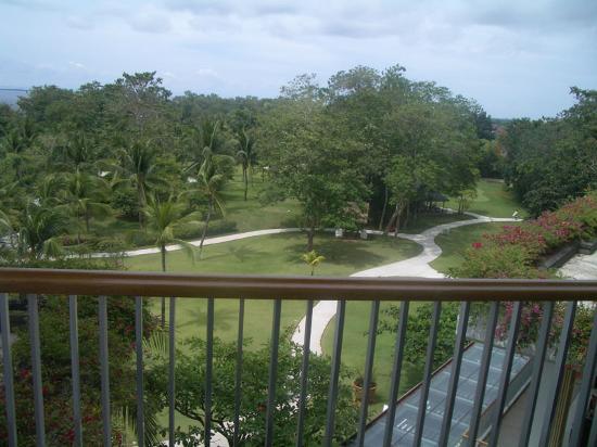 Balcony - Shangri-La's Mactan Resort & Spa Photo