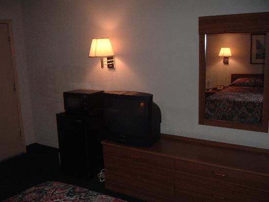 Inn of Uvalde : First room (101)
