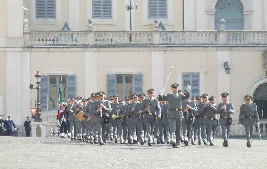 Palazzo del Quirinale: Changing of the guard, 13 March 07