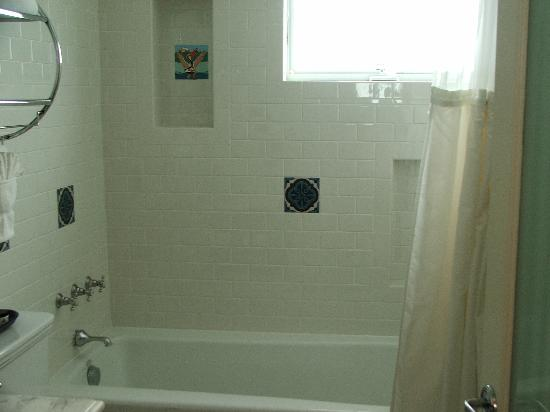 The Avalon Hotel: Bath