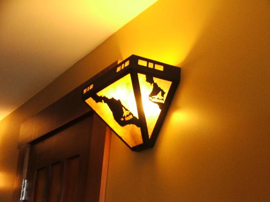 The Avalon Hotel: Light fixtures