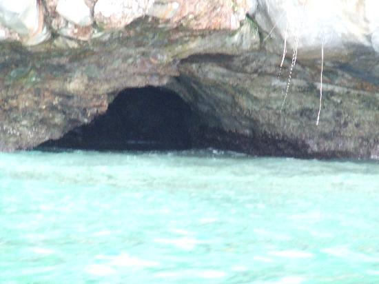 Ko Phi Phi Don, Thailand: Sea Cave