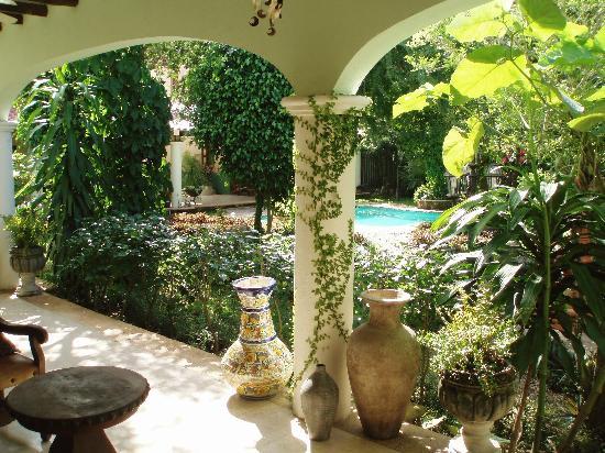 Casa Quetzal Courtyard