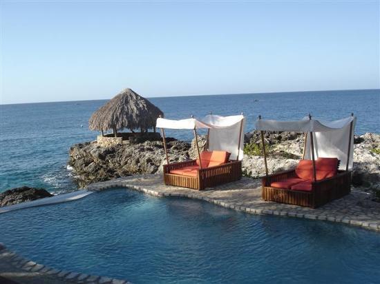 Tensing Pen Resort Pool At