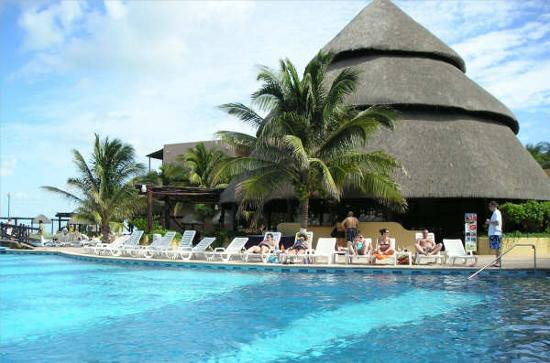 Telchac Puerto, Messico: By the pool