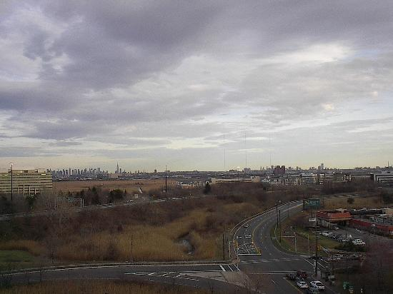 Renaissance Meadowlands Hotel: View of Manhattan from hotel